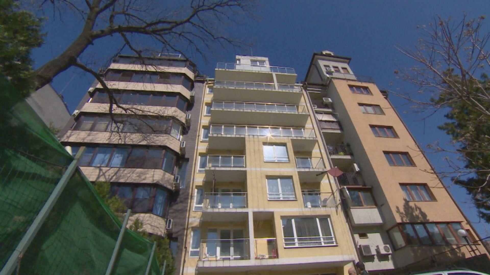 """Актьор от театър """"София"""" живее в сграда без ток и вода"""