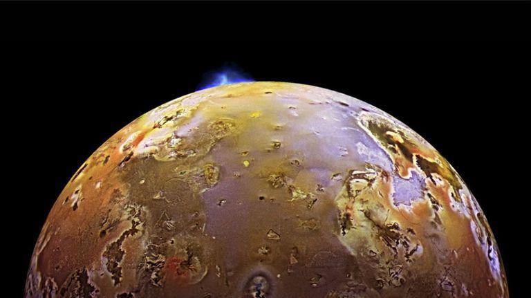 Йо е най-вулканичният обект в Слънчевата система