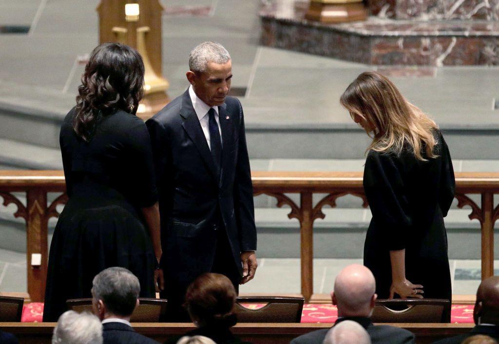 Семейство Обама и Мелания Тръмп