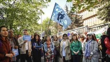 Творците от музикалните състави на БНР протестираха