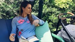 Цвети Пиронкова показа първа снимка с бебето
