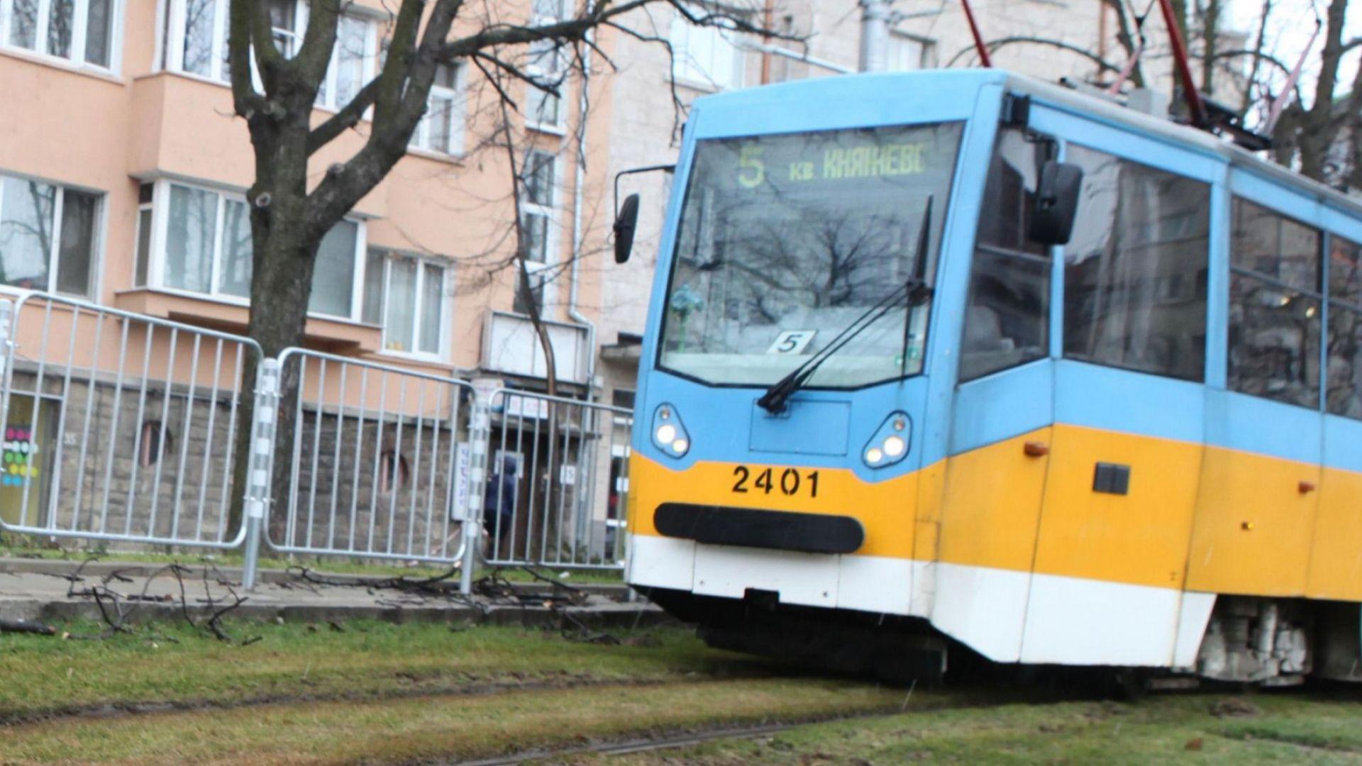 """Протест в София: """"Лозенец"""" си иска трамвай №6"""