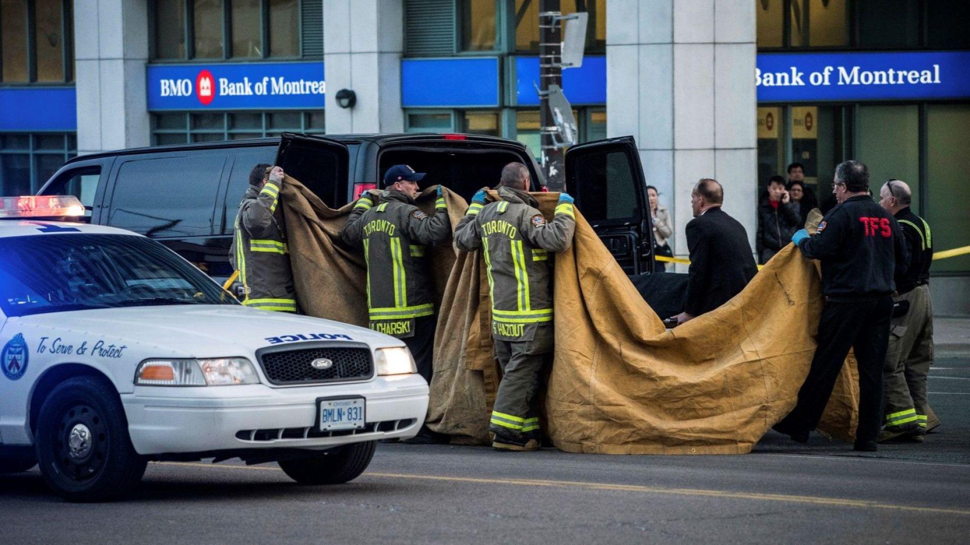 """Смъртоносният бял ван от ул. """"Йънг"""" в Торонто"""