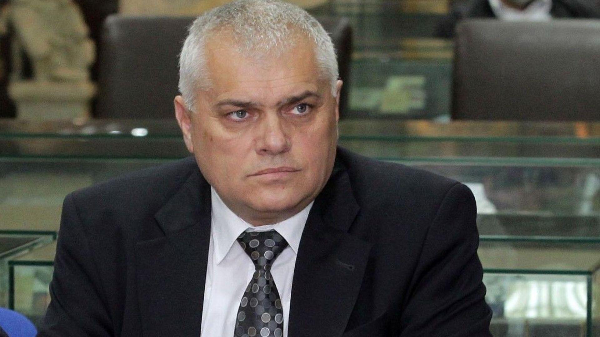 "Валентин Радев: Оставки и наказания по случая ""Пелов"" ще има, но аз оставам"