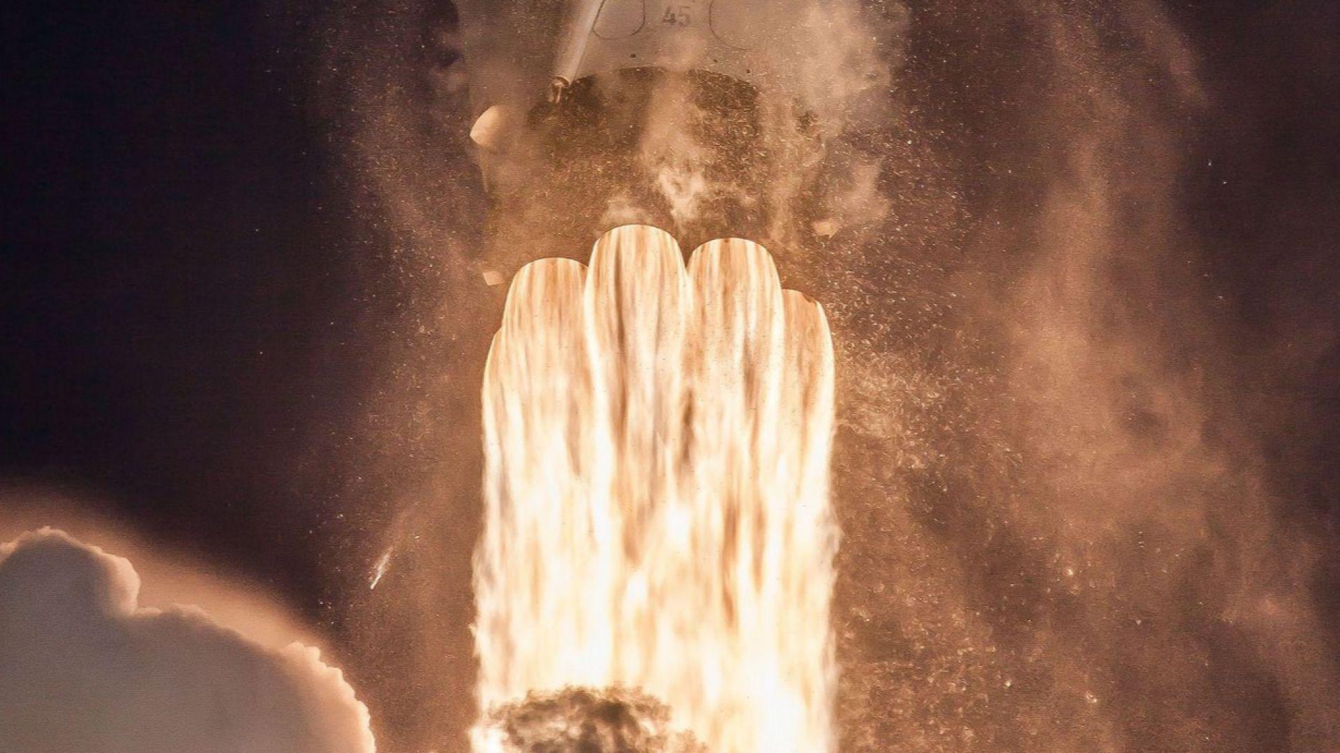 SpaceX успешно изтреля 60 сателита Starlink