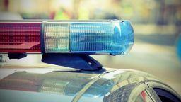 Мъж почина зад волана в двора на МБАЛ-Добрич, жена е ранена