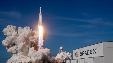 Магията на ракетите Falcon