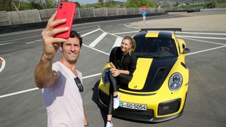 """Ас от """"Формула 1"""" докара Шарапова до писъци в Щутгарт"""
