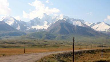 Суровата красота на Памирската магистрала