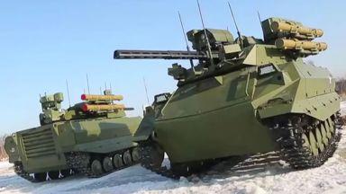"""Роботи ще """"маршируват"""" на Червения площад в Москва"""