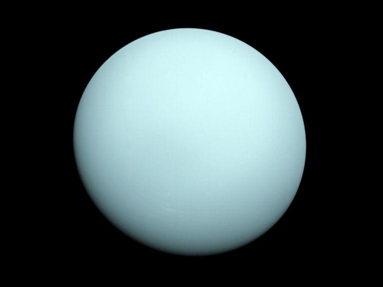 На Уран мирише на развалени яйца