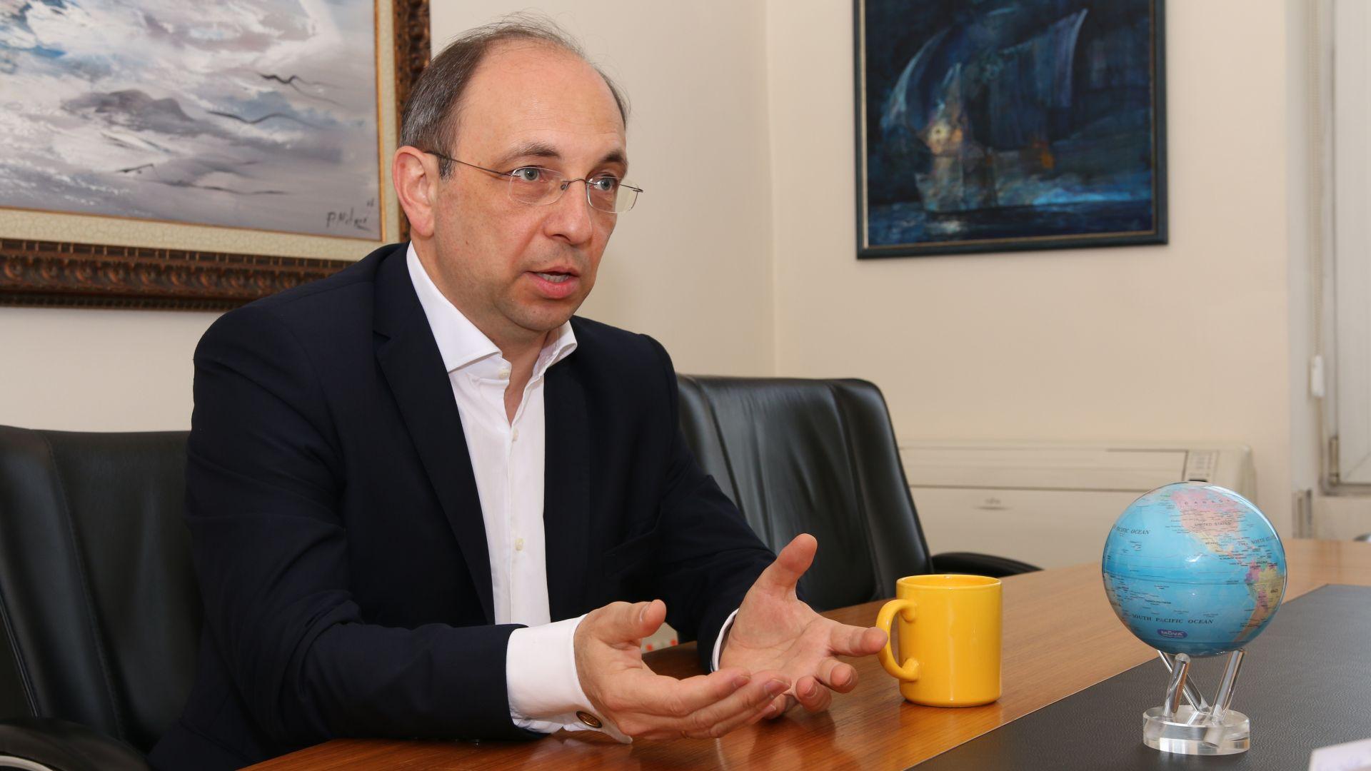 Ексминистър: Преди 10 г. бяхме по-близко до еврозоната
