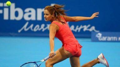 Евтимова и Стаматова на четвъртфинал в Анталия