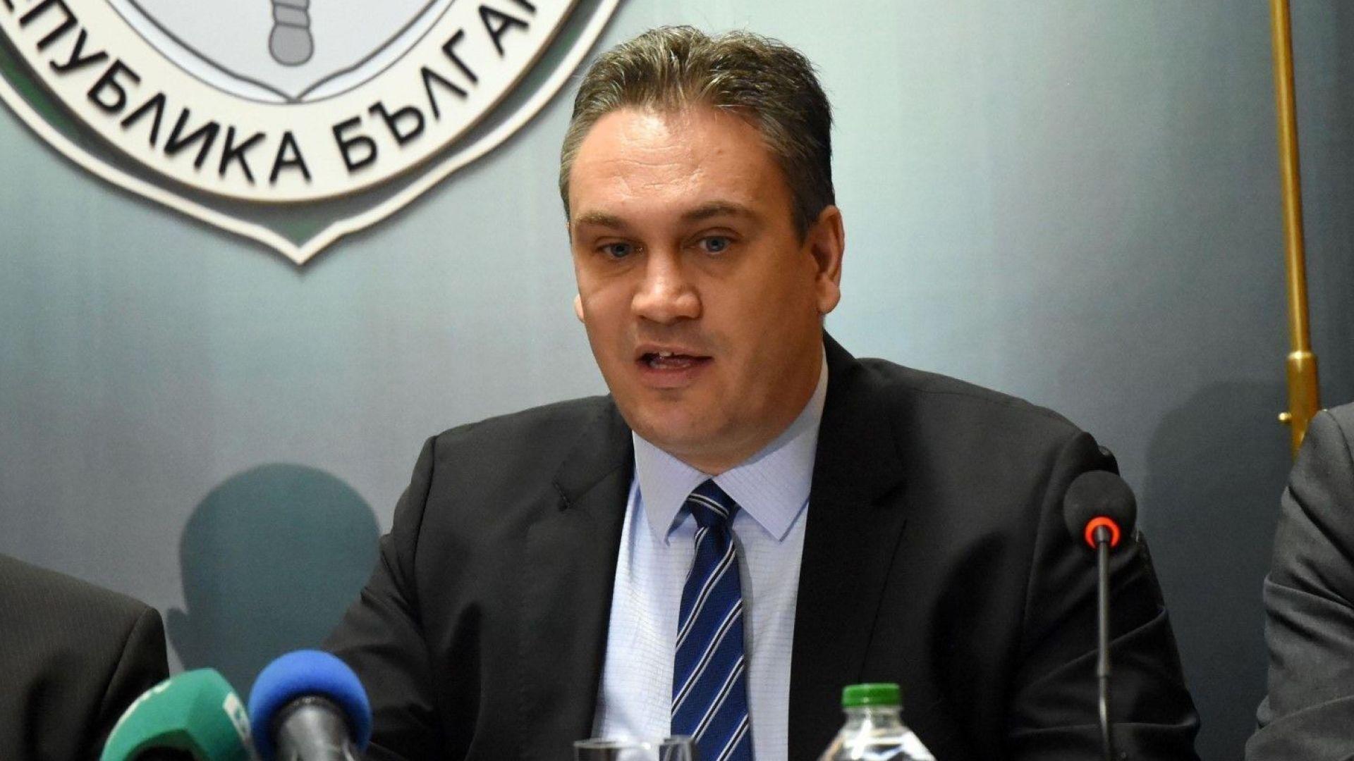 Шефът на антикорупционния орган: Казах, че ще бъдат задържани хора с пари
