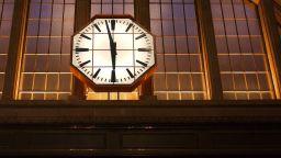 Британските ученици вече не познават времето от аналоговите часовници