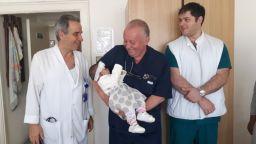 Спасиха живота на 4-месечно бебе с уникална операция