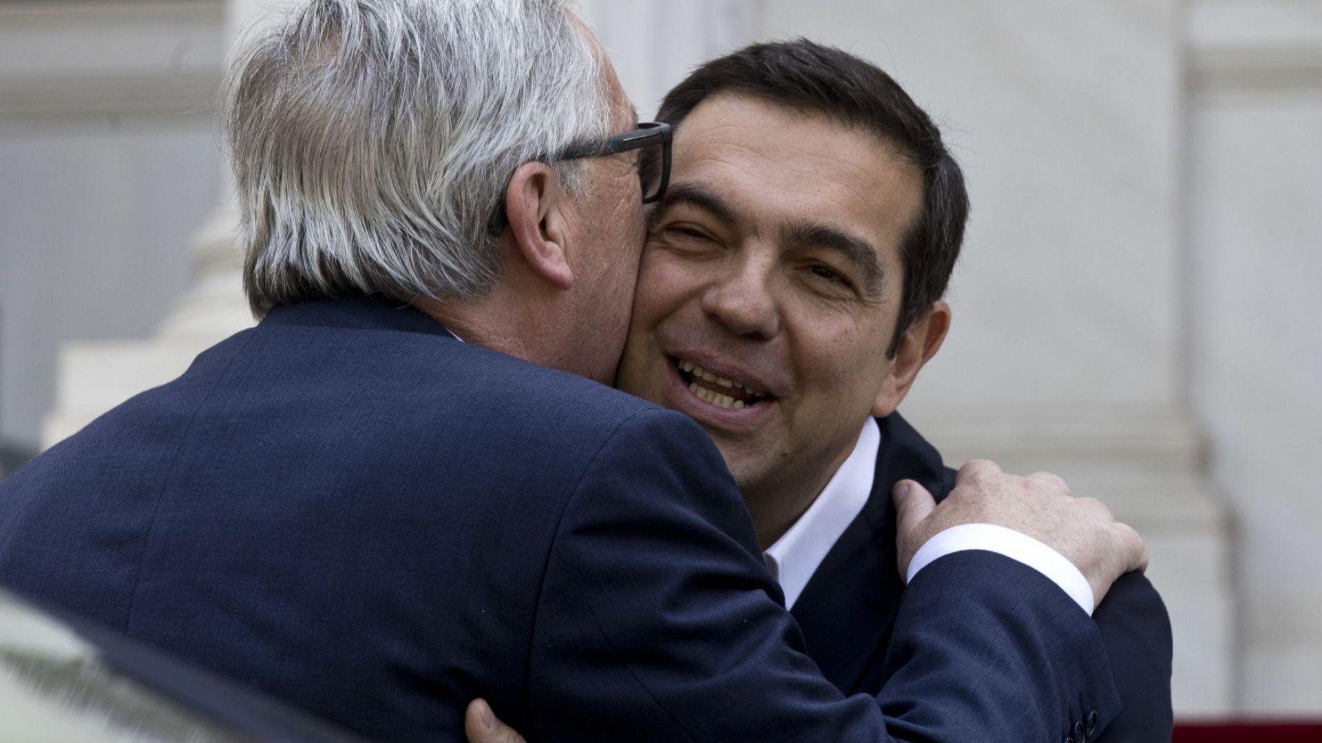 Юнкер представи в Гърция и моркова и тоягата