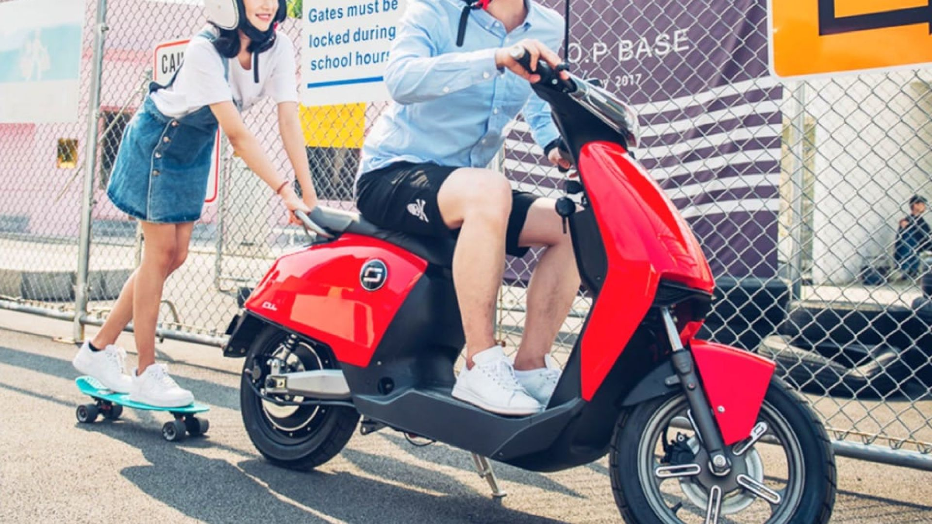 Xiaomi извади ултра евтин и модерен... скутер