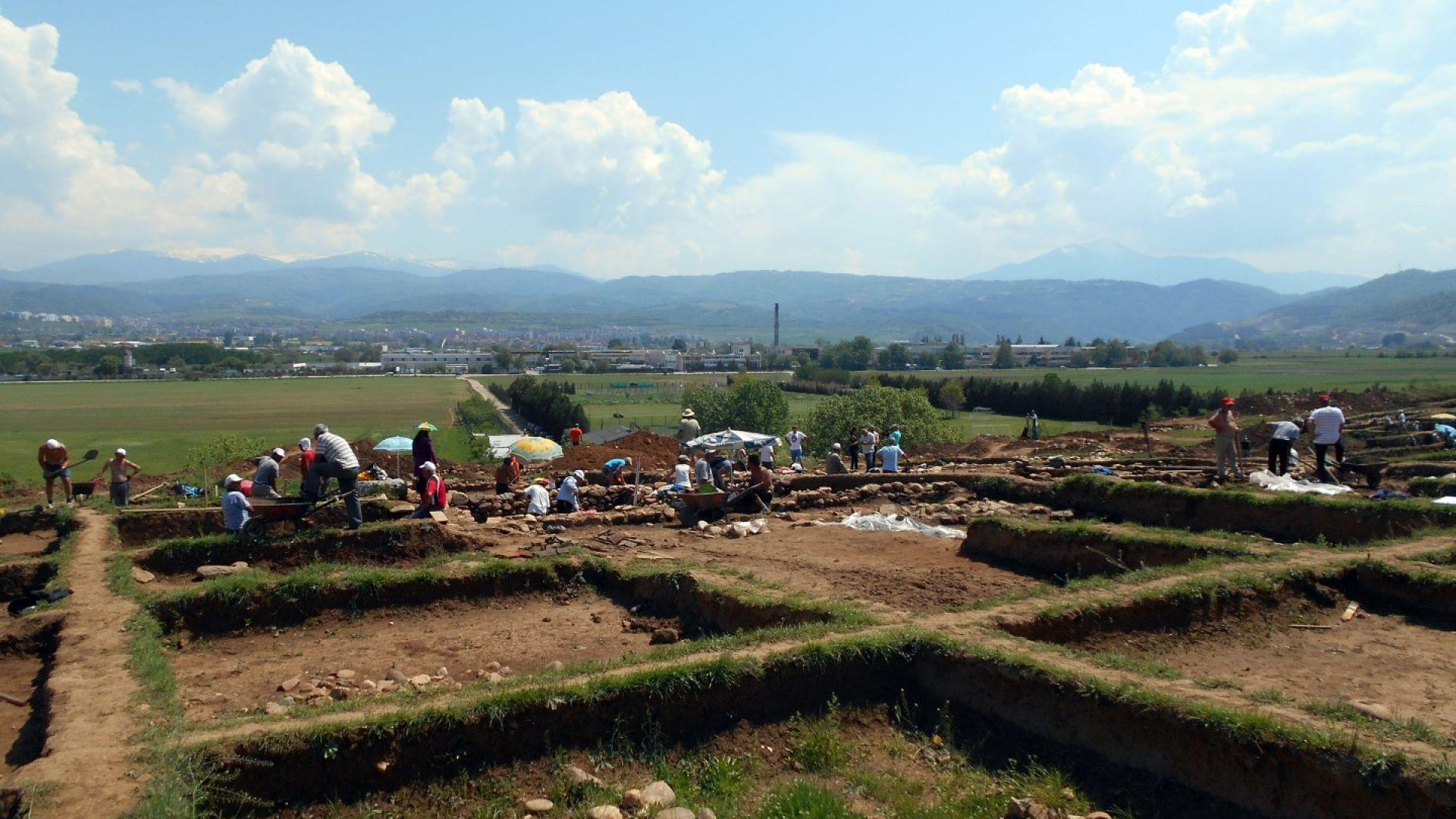 """Археолози откриха древен град по трасе на магистрала """"Струма"""""""