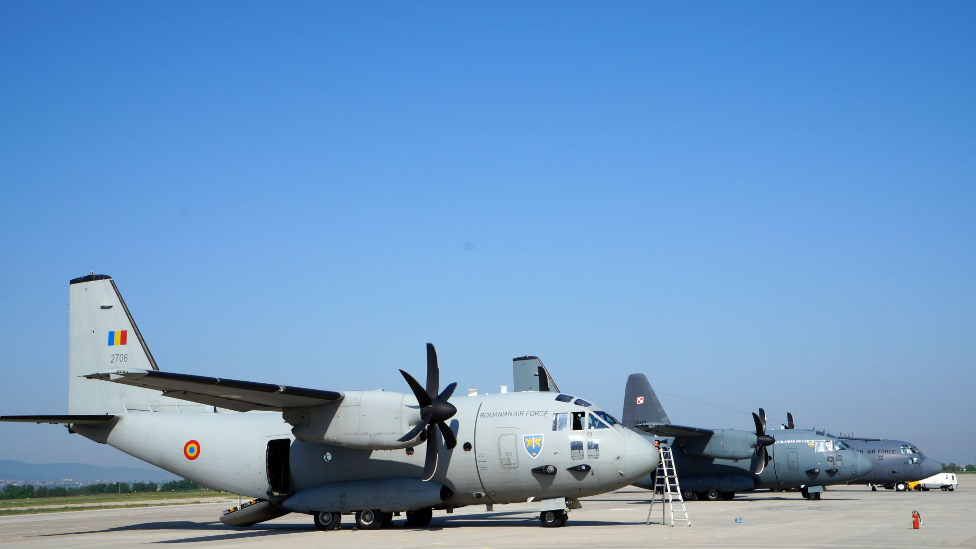 ВВС с рекламни полети над Пловдив