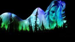 Фантастични пейзажи върху голо женско тяло