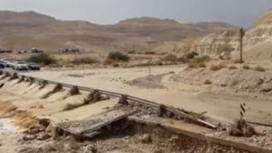 9 тийнейджъри загинаха след порой в Израел