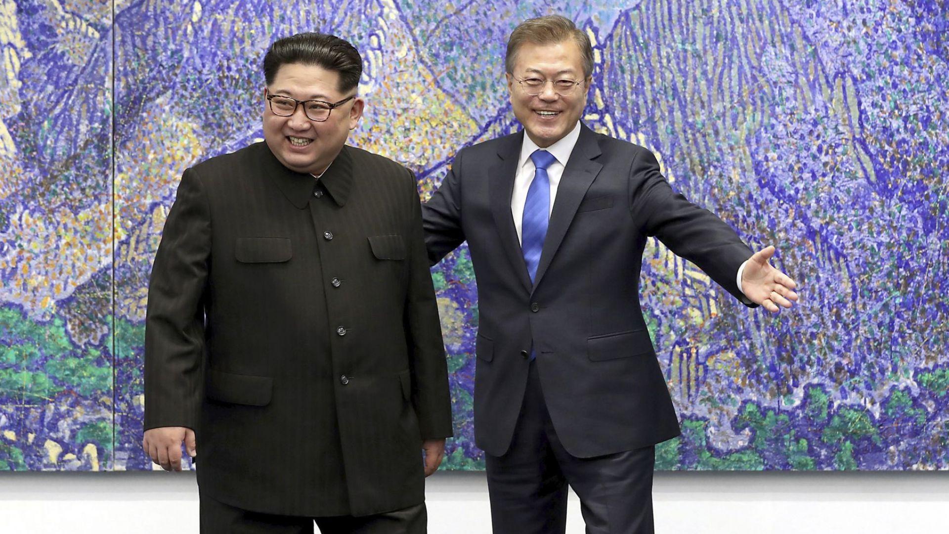 Мун и Ким преговарят за мир на Корейския полуостров