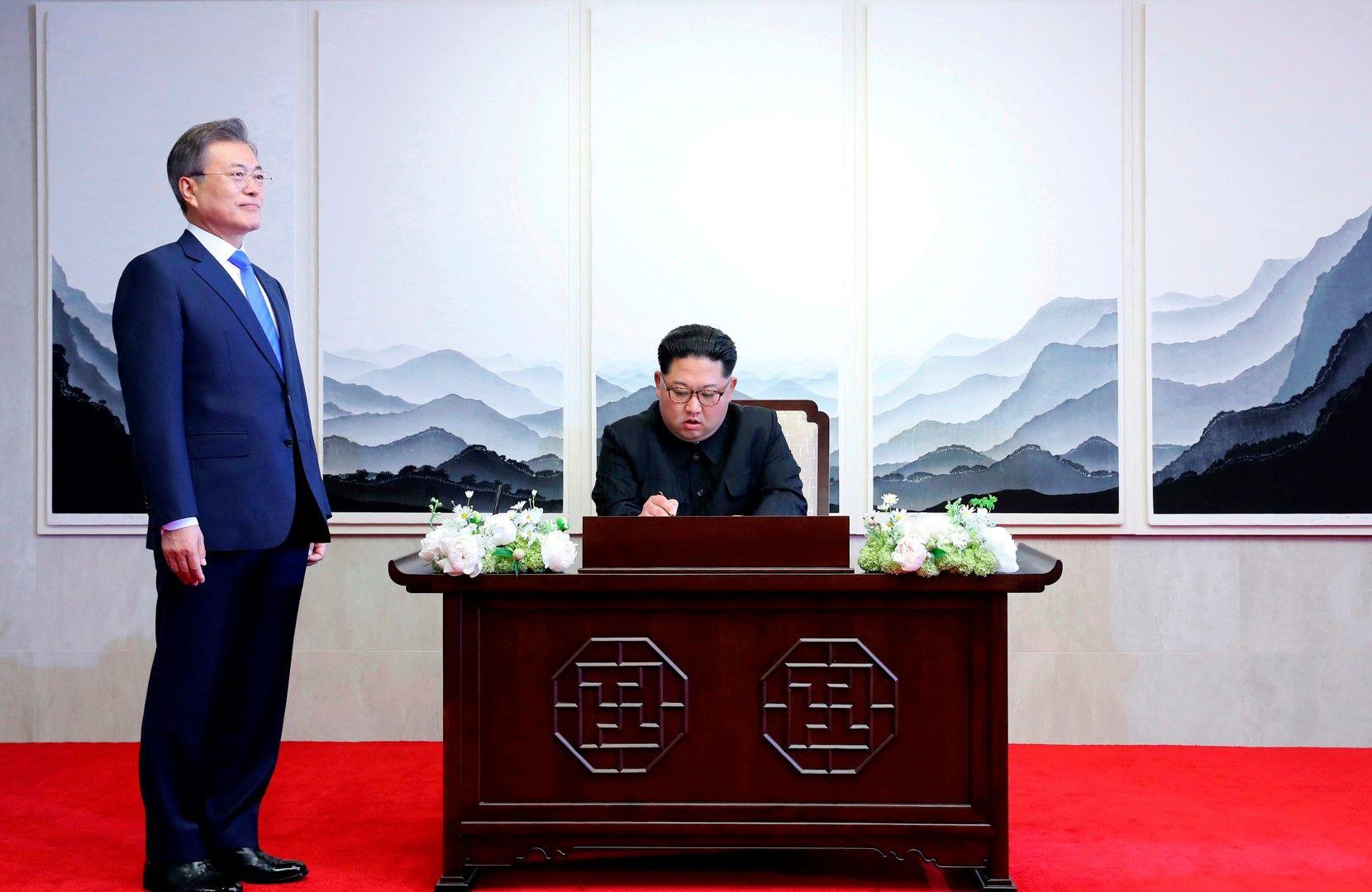 Ким Чен-ун и Мун Дже-ин