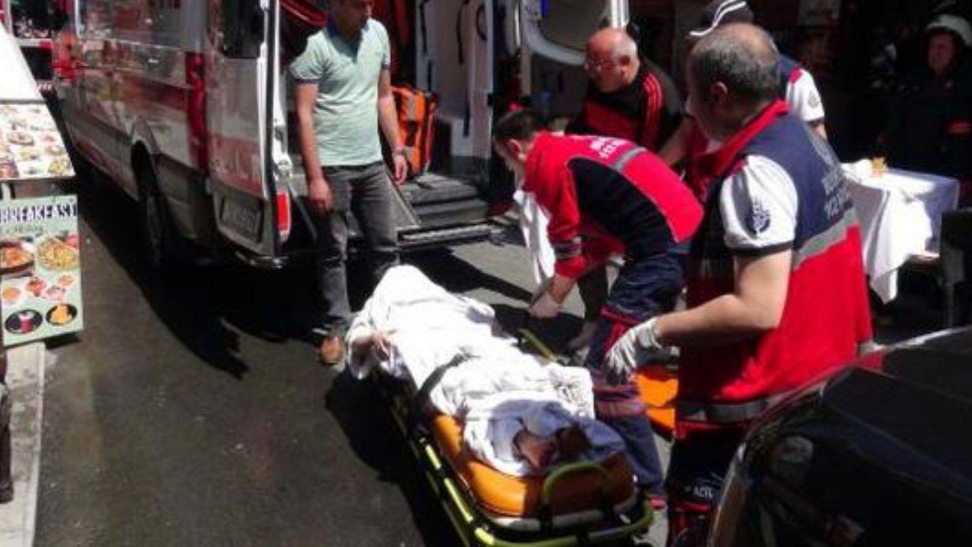 Пожар в хотел в центъра на Истанбул, има пострадали