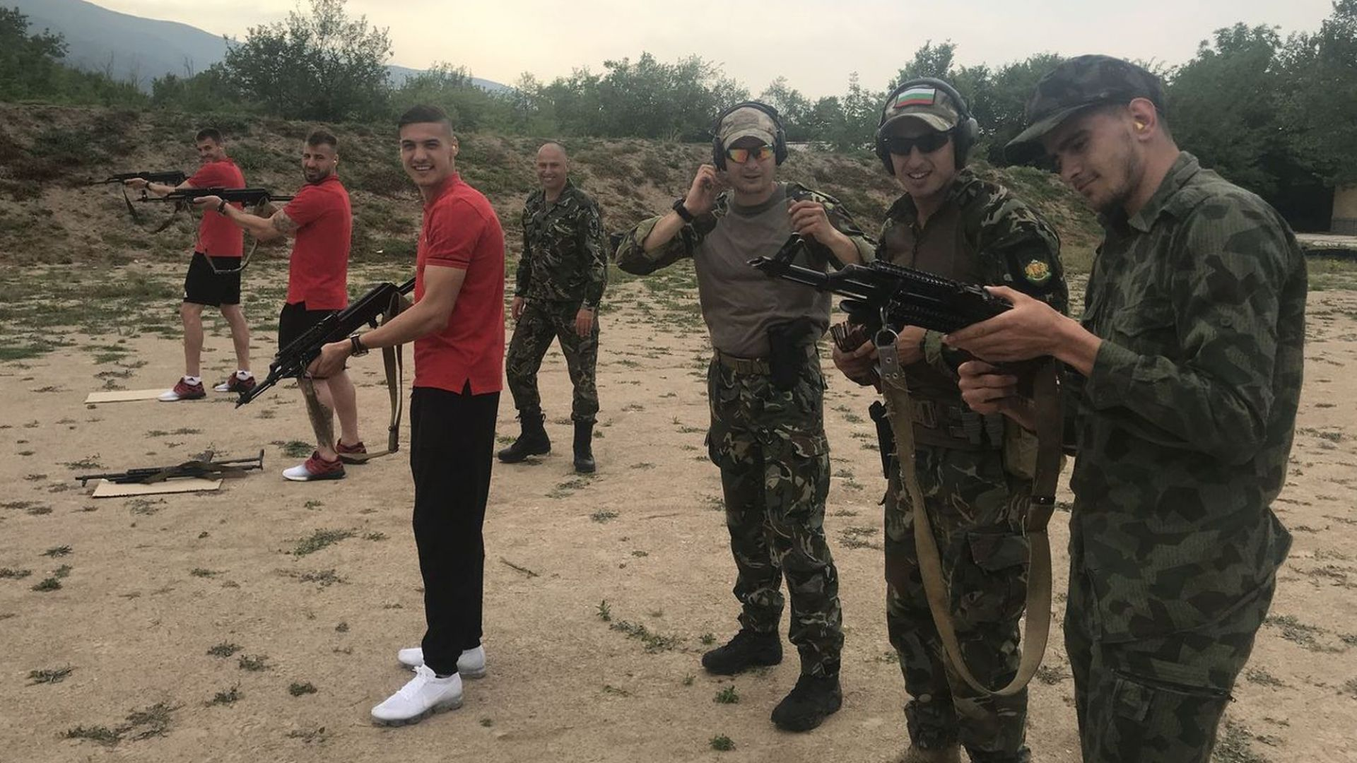 Играчите на ЦСКА грабнаха оръжието