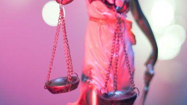 Осъдиха полицай за рекет на чех в Приморско