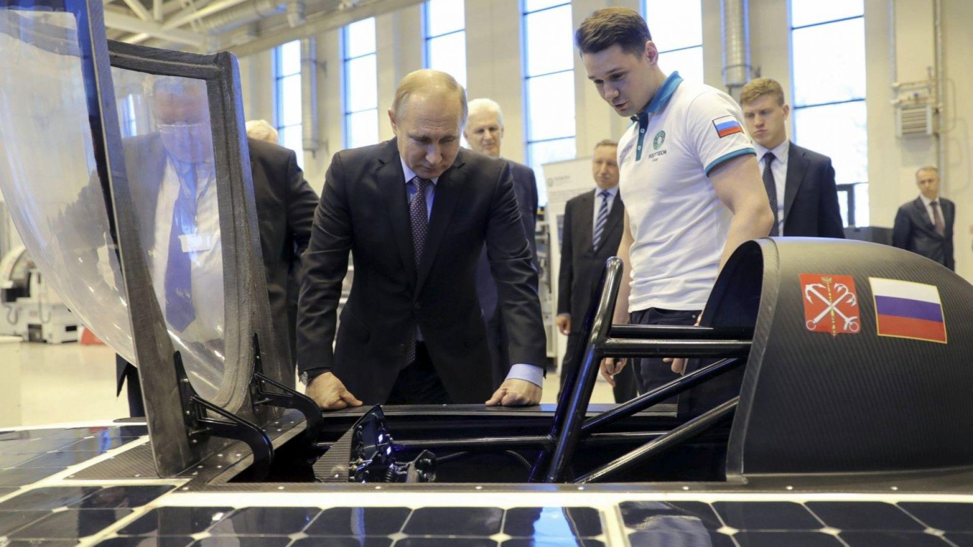 Путин: Създаваме изключително мощна бойна ударна система