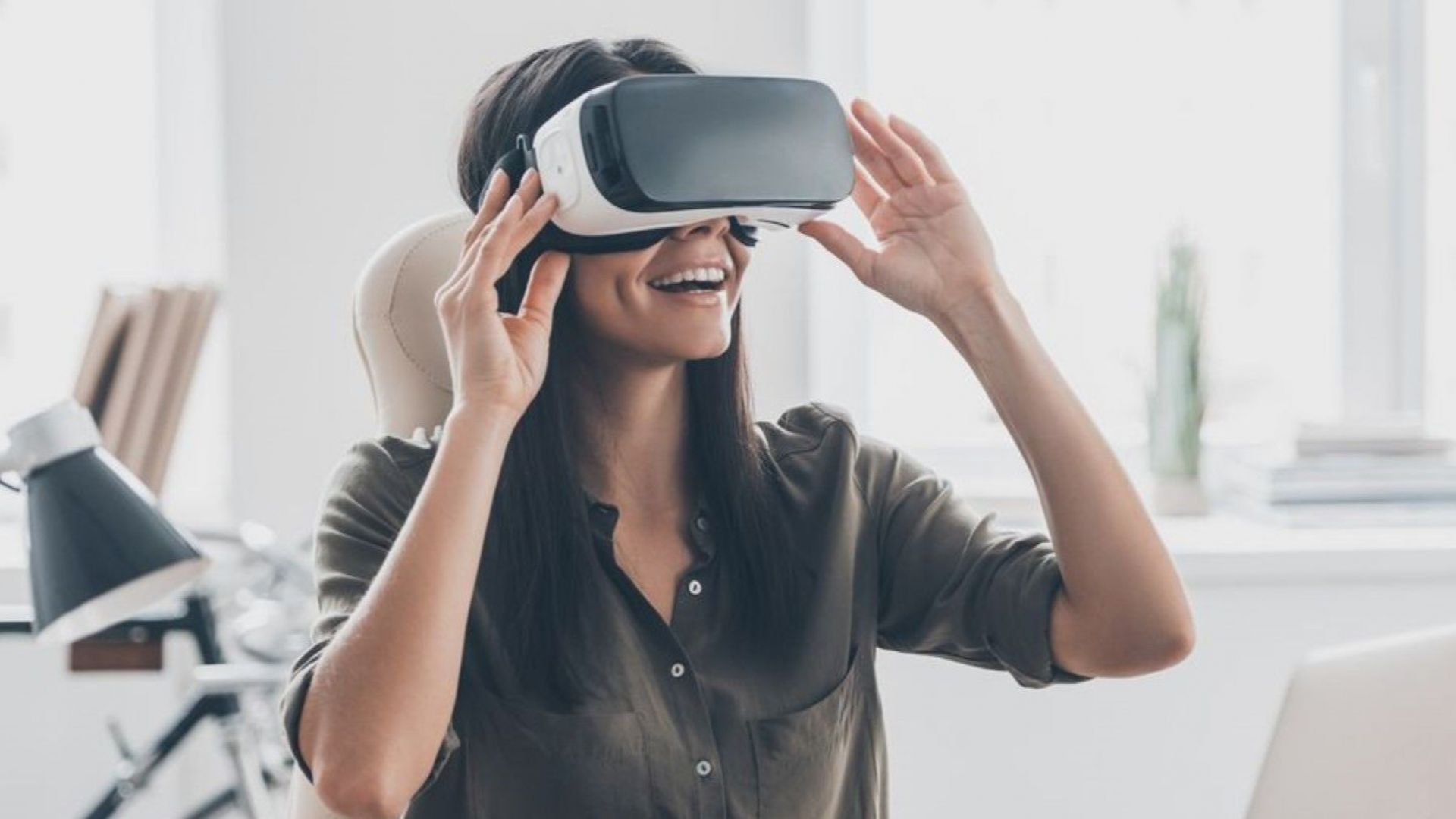 Разработват очила с виртуална реалност, които поддържат 16K резолюция