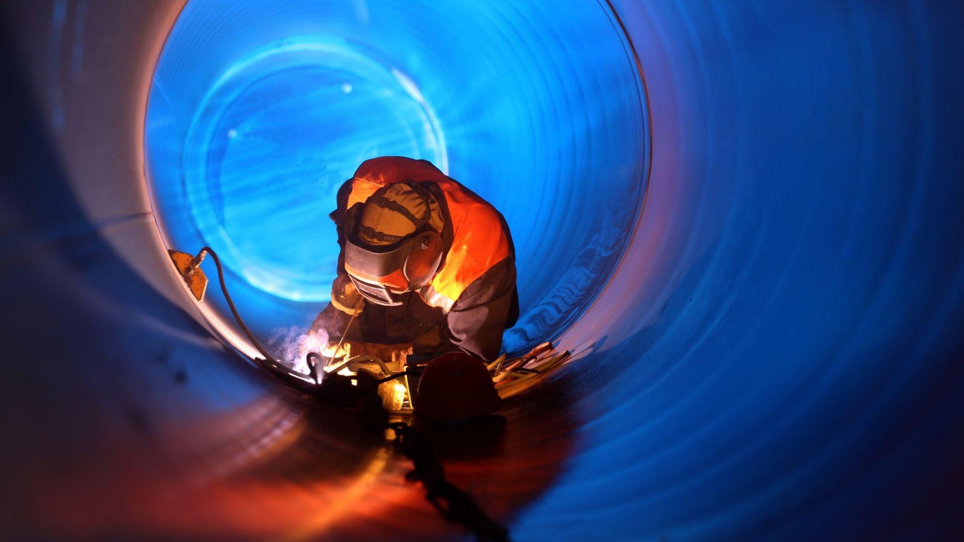 """Газпром  готов с първата тръба от """"Турски поток"""""""