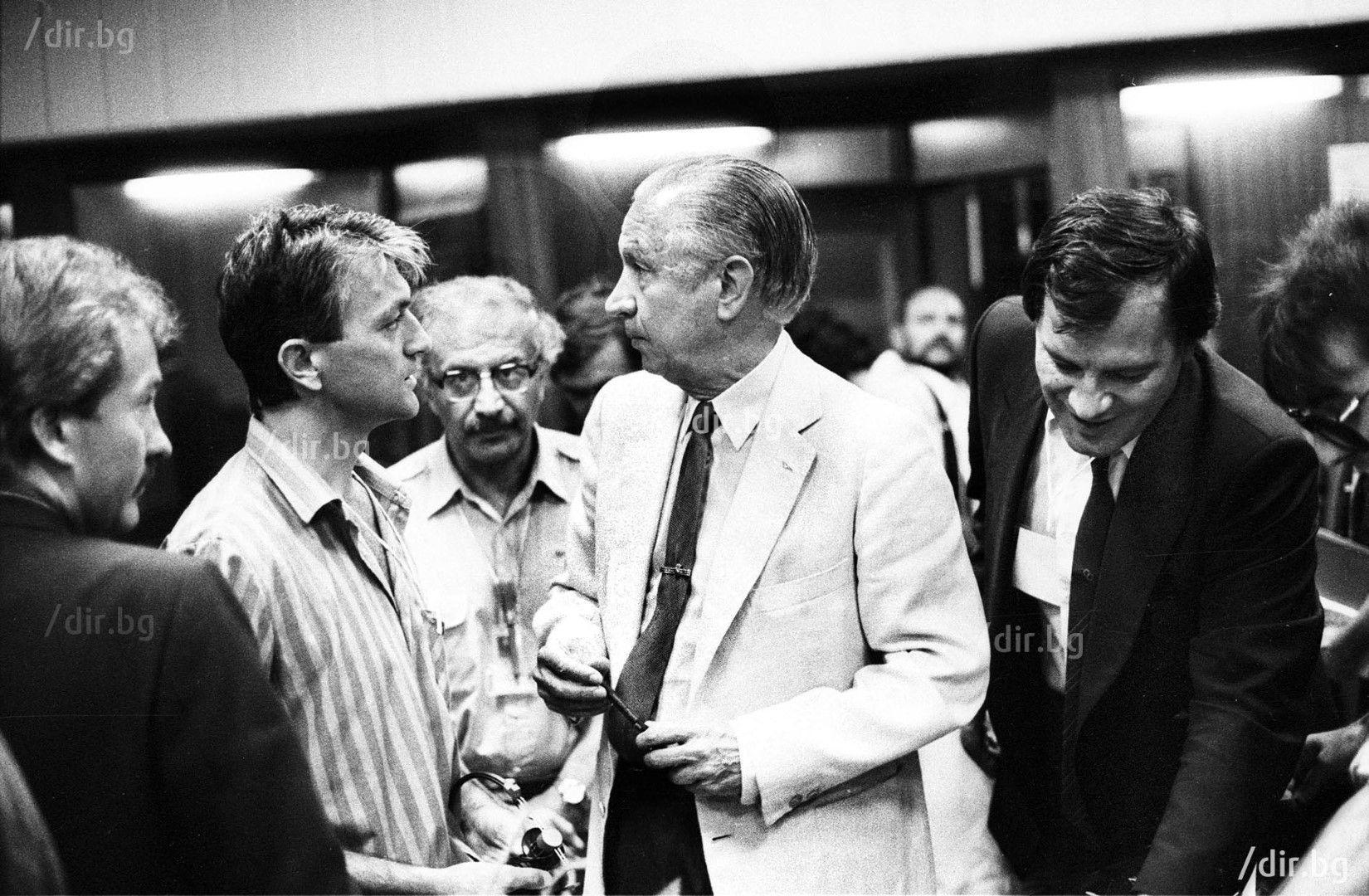 С Хуан Антонио Самаранч пред родни журналисти. Снимка: ИВАН ГРИГОРОВ