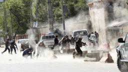 Убити и ранени при експлозия в джамия в Афганистан