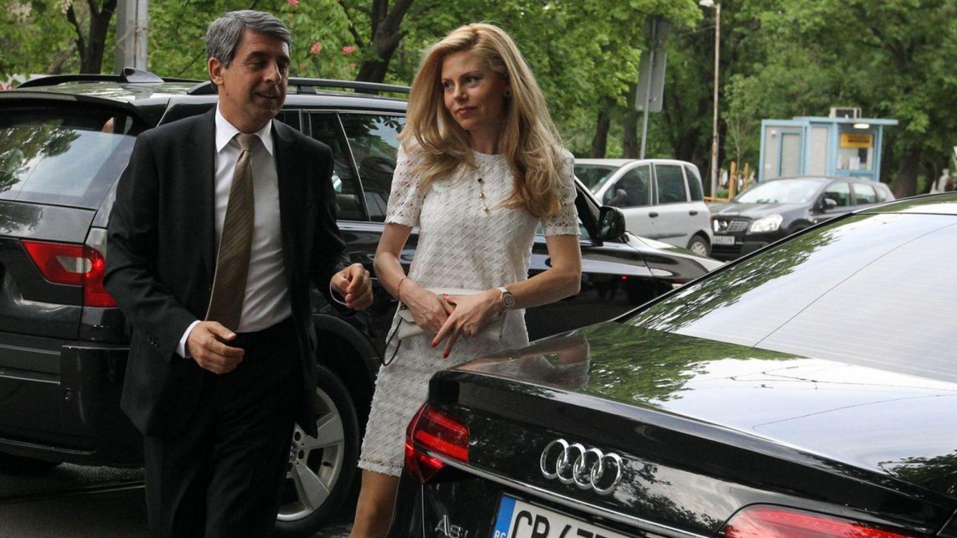 Първа поява на Деси Банова след новината за бременността ѝ (снимки)
