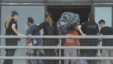 Бият тревога заради бежански бум от Турция