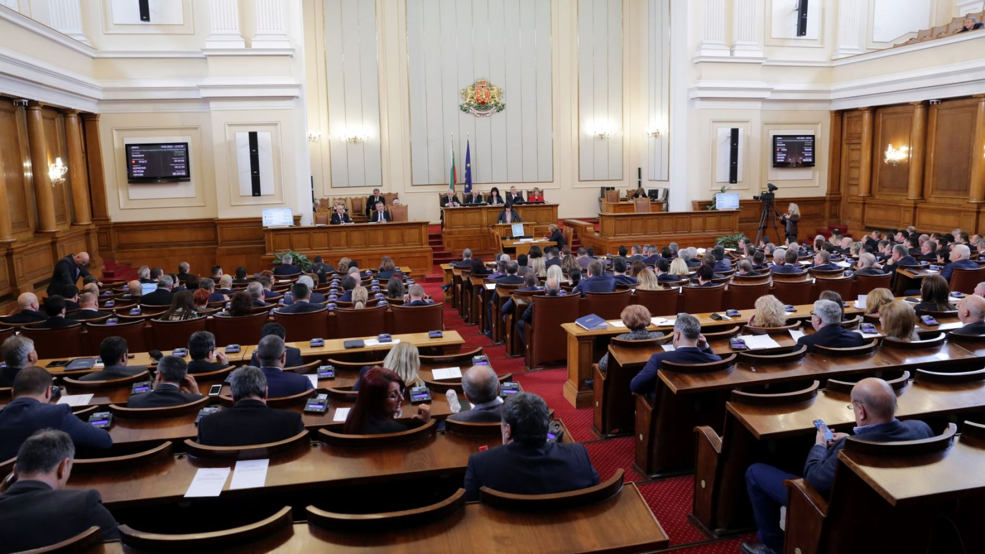 Парламентът прие законови промени за чужденците, свързани с Брекзит
