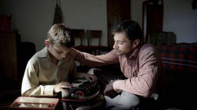 """""""Радиограмофон"""", който спечели публиката на София филм фест, тръгва по кината"""