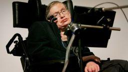 """Предсказанието на Стивън Хокинг: """"Свръхчовеци"""" ще унищожат света"""