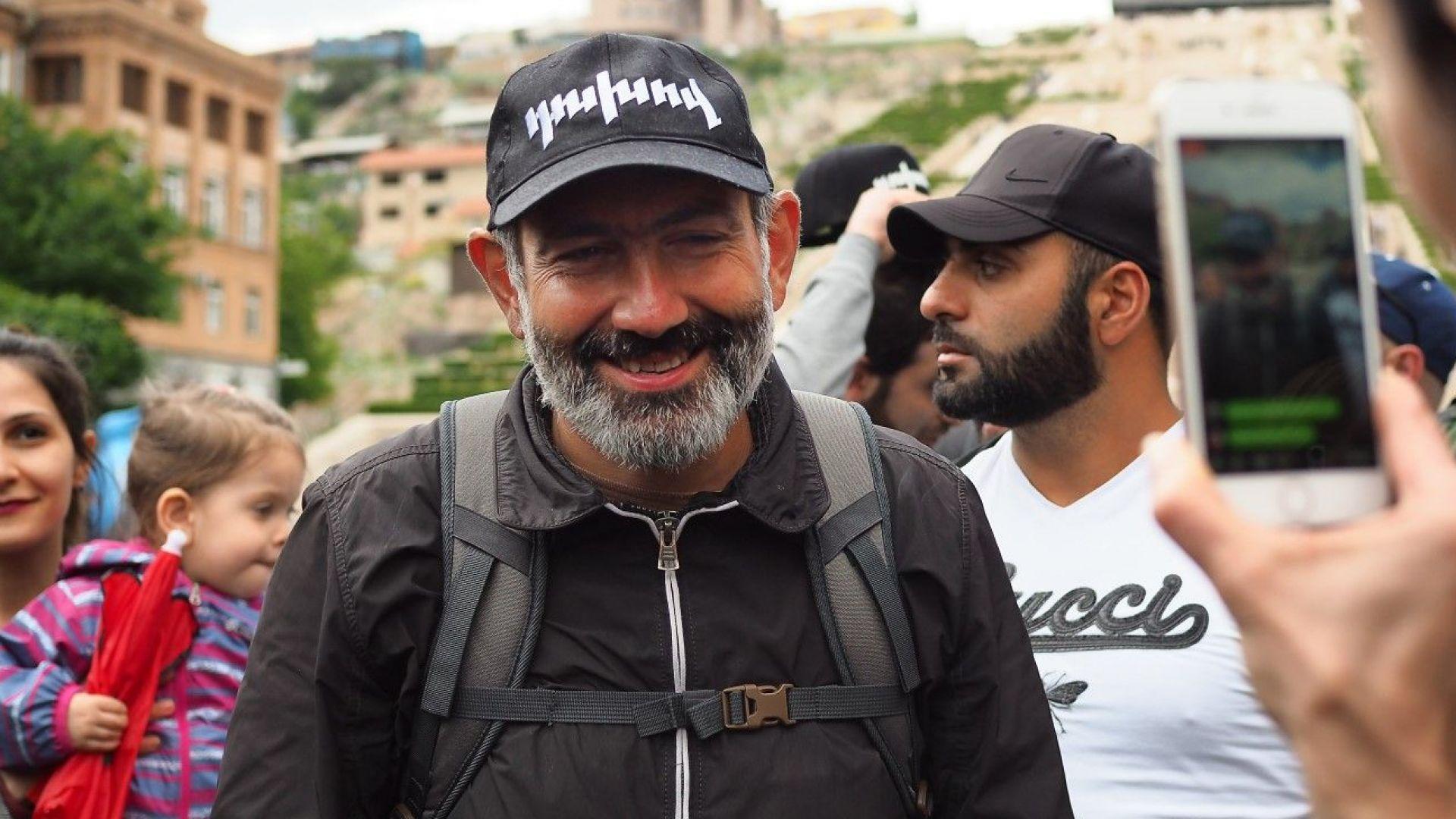 Развръзка на кризата в Армения: Управляващите ще подкрепят Никол Пашинян