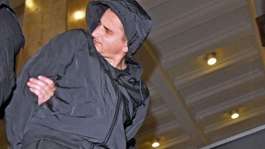 Съдът не пусна на свобода мъжа, хвърлил бомбичка по полицаи