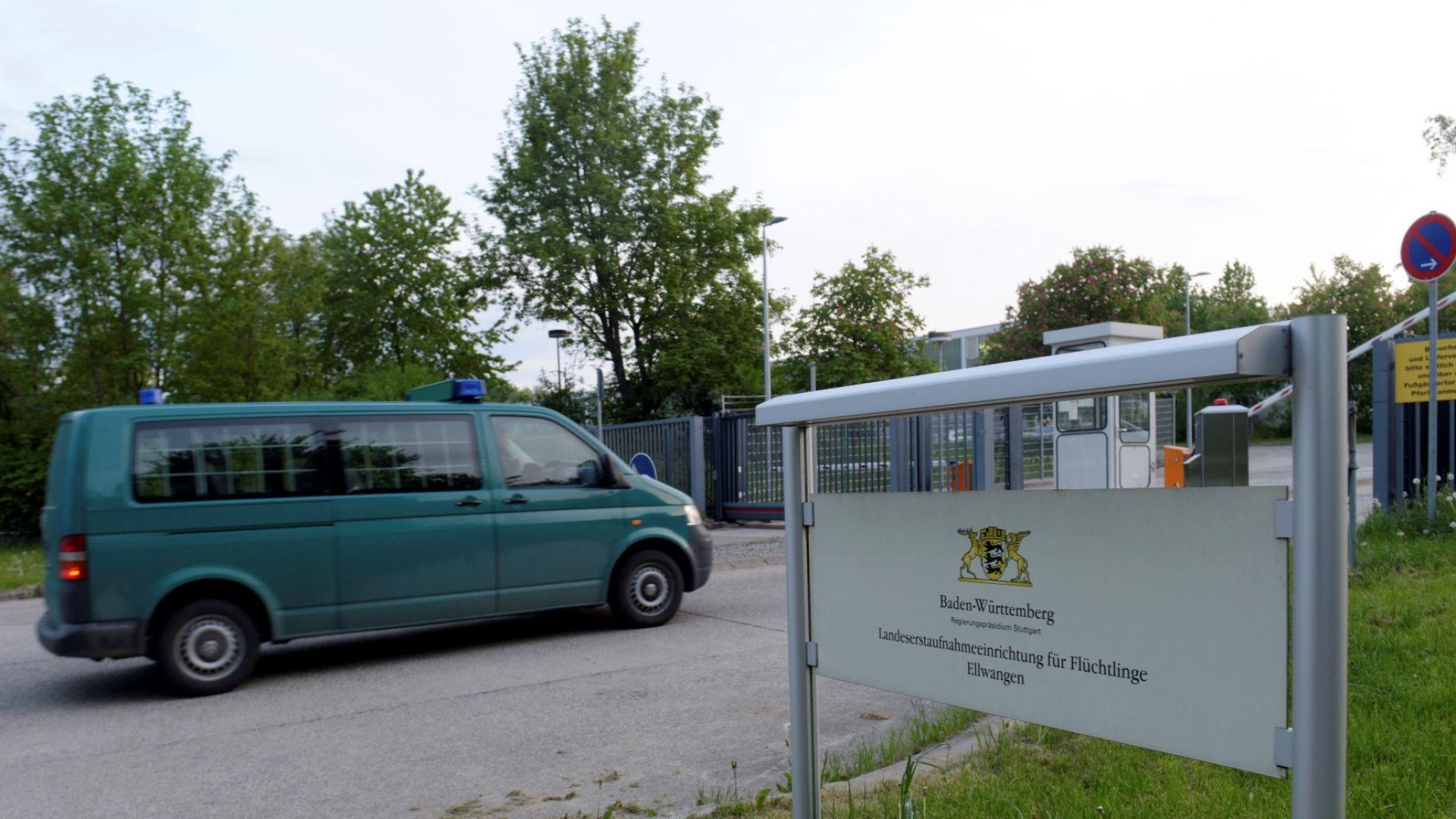 Около 12 000 бежанци са напуснали Германия срещу парична компенсация