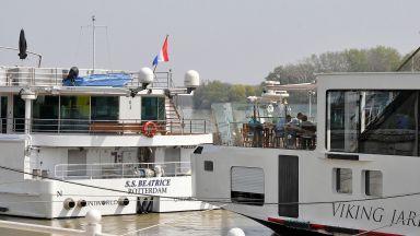 Критично маловодие на Дунав: Кораб бедства край Свищов, спрени са круизи