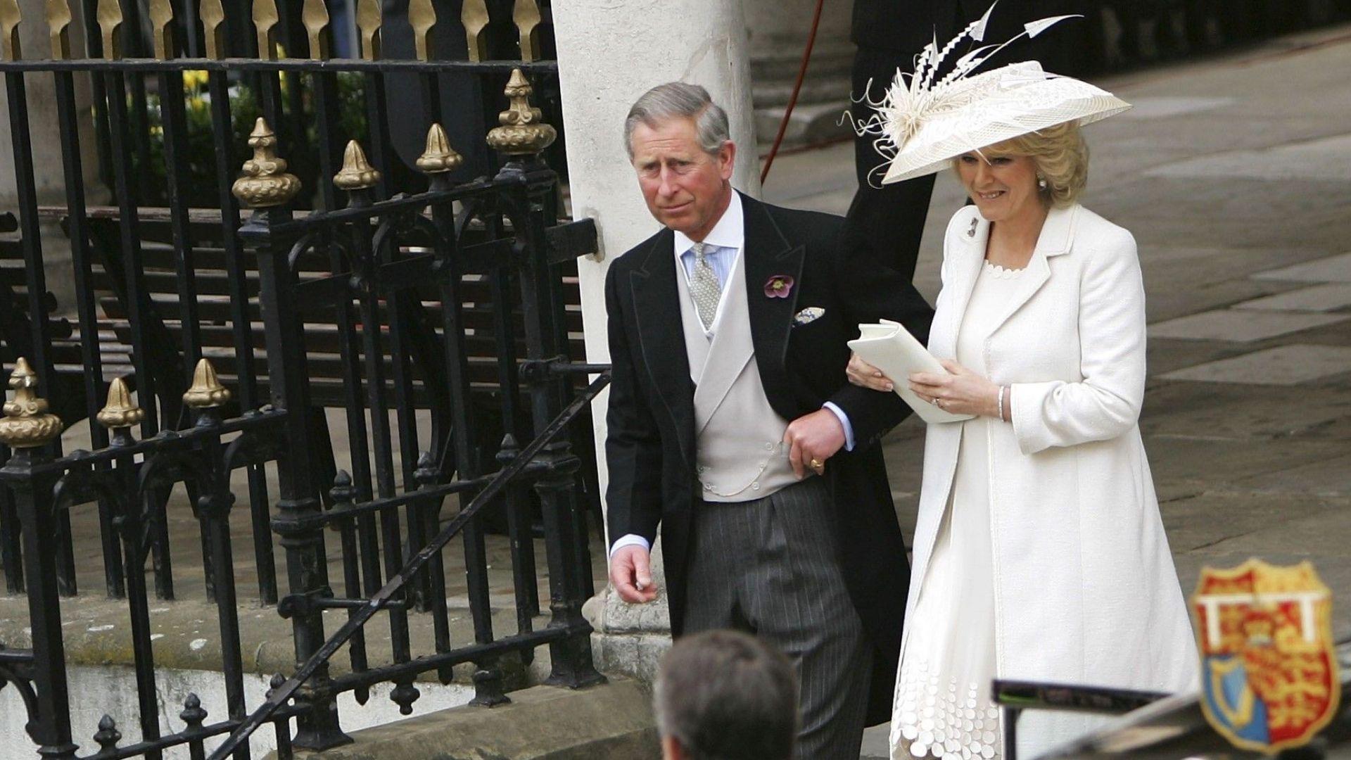 """Камила """"рециклира"""" сватбената си рокля"""