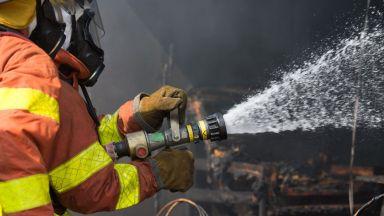 Пожар горя в цех за разредители, двама са пострадали