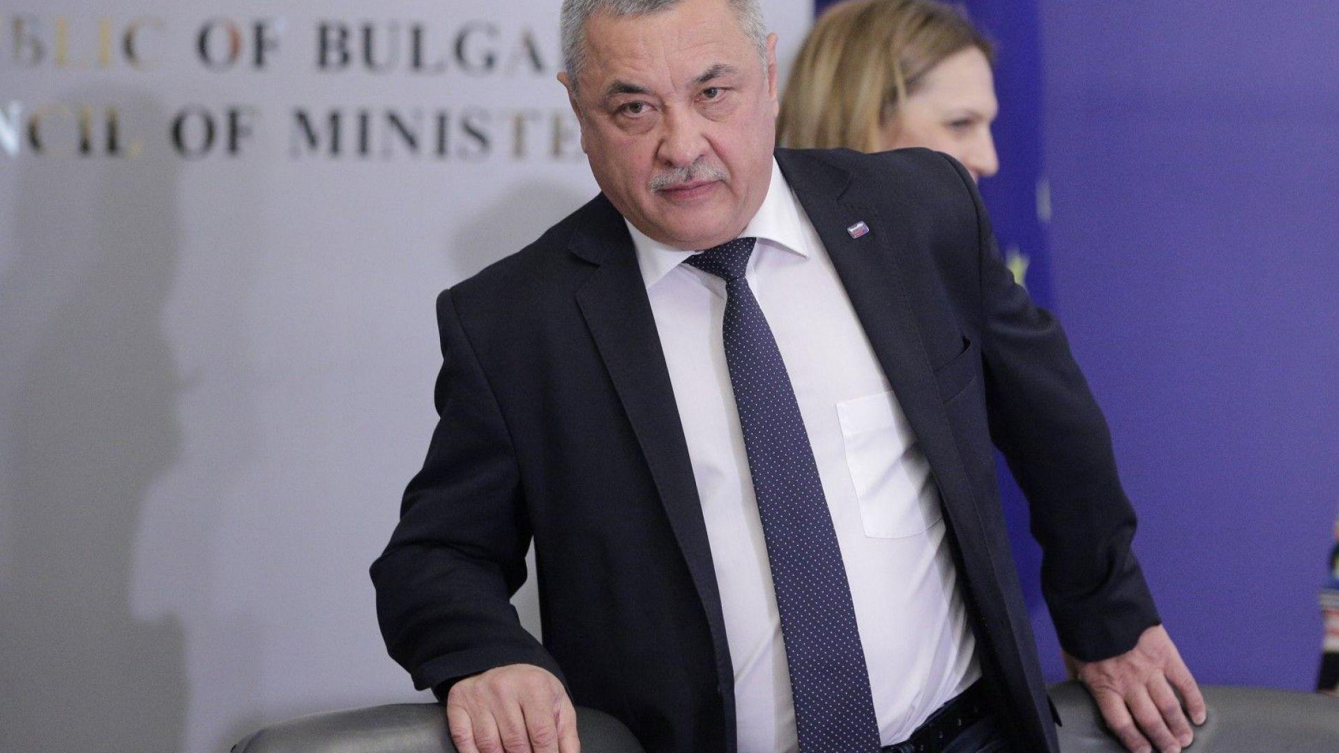 Симеонов: Разочаровах Васил Божков за рекламата на хазарта
