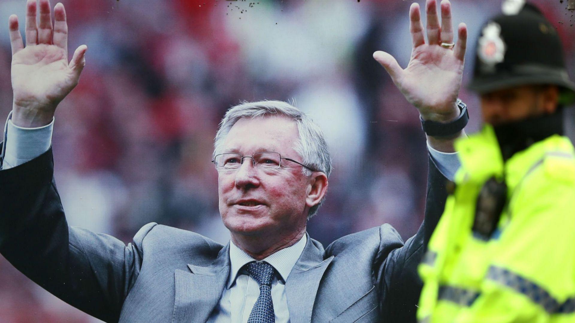 """Сър Алекс бил """"късметлия, че е жив"""", чакат го на мач на """"Юнайтед"""" на 10 август"""
