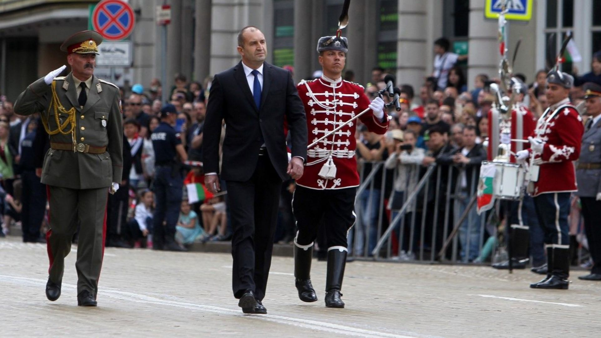 Румен Радев: Нехайното отношение към армията подкопава държавността